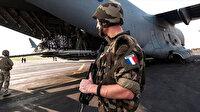 Cezayir hava sahasını Fransa'ya kapattı