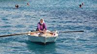 82 yaşındaki Yüksel nine her gün kilometrelerce kürek sallıyor: Ekmek parasını denizden çıkarıyor