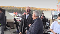 Binali Yıldırım öğrencilerle türkü söyleyip şarkıcı Soner Sarıkabadayı ile düet yaptı