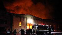 Kayseri'de kağıt fabrikasında yangın: Alevler geceyi aydınlattı