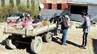 Atlı bakkal: 54 yıldır köy köy gezerek yolları aşındırıyor