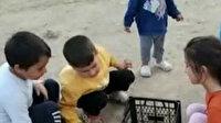 Elazığlı çocuklar plastik meyve kasasında langırt oynayarak eğlendiler