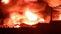 Mısır'da kimya fabrikasında yangın paniği: Alevler gökyüzüne yükseldi