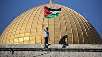 Binlerce Filistinli Mevlid Kandili coşkusunu Mescid-i Aksa'da yaşadı