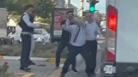 Şanlıurfa'da otobüs şoförü önünü kestiği aracın aynasına sopayla vurdu
