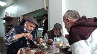 Çarşının 'Himmet babası' 40 yıldır askıda geleneği ile yemek ikram ediyor