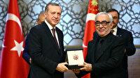 Cumhurbaşkanı Erdoğan'la yan yana gelenler linç ediliyor