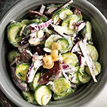 Pastırmalı Salata
