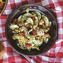Közlenmiş Patlıcanlı Kabak Salatası