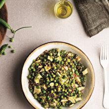 Karabuğdaylı Bezelye Salatası