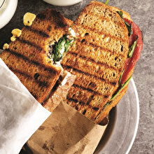 Dereotlu Peynirli Tost