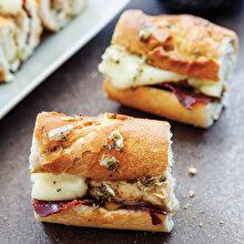Fırında Tavuklu Baget Sandviçler