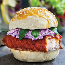 Balık ve Mor Lahana Burger