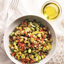 Biberli Kuşkonmaz Salatası