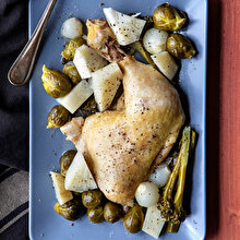 Tavuklu Brokoli ve Brüksel Lahanası Yemeği