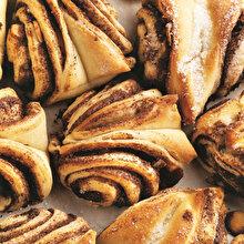 Tahinli Tarçınlı Mayalı Çörek