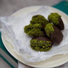 İncirli Fıstıklı Çikolata Topları
