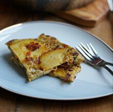 Patatesli Omlet (Videolu Tarif)