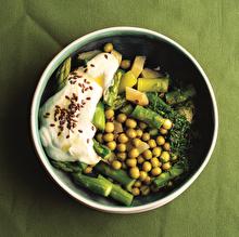Bezelyeli Kuşkonmazlı Karışık Salata