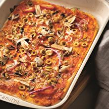 Yeşil Zeytinli Mor Soğanlı Pizza