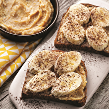 Kaymaklı Fıstık Ezmesi ve Muzlu Ekmek