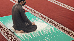 Prayer amidst a 'new normal': New Islamic mat allows Pakistani worshippers to socially distance at mosques