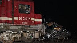 Yük treni araca çarptı: Bir kişi hayatını kaybetti