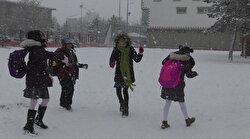 Ardahan'da kar yağışı nedeniyle okullar yarın tatil edildi