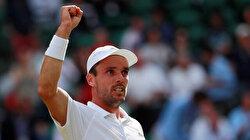 Making Wimbledon semis delays Agut's getaway