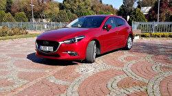 Tehlikeyi sürücüden önce hisseden 'kahin Japon' Mazda 3