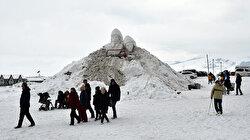 """تركيا.. تماثيل من ثلج لشهداء معركة """"صاري قامش"""""""