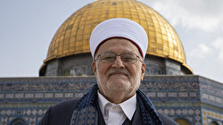 Al-Aqsa grand preacher enters mosque despite Israel ban