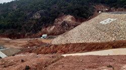 Uşak'ta Bahadır Barajı'nda çatlama meydana geldi: Su boşaltılıyor 4 köyde okullar tatil edildi