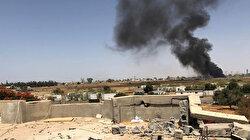 Libya'da Hafter milislerine mühimmat taşıyan askeri uçak vuruldu