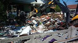Evden 13 ton çöp toplandı: Ekipler acilen evi dezenfekte etti