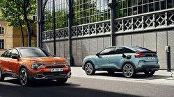 Citroen merakla beklenen elektrikli arabaları e-C4 ve C4'ü tanıttı