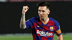 Messi nets 700th career goal with ice-cool penalty against Atletico