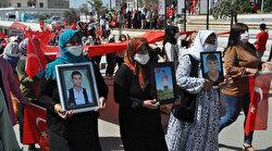 Şırnaklı kadınlar HDP binasına yürüyerek kan ve gözyaşına 'Edi bese' dedi