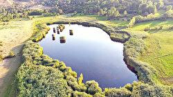 """بحيرة """"أوجقايا"""".. من روائع الطبيعة في تركيا"""