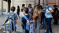 Students, parents fight school closures in Italy