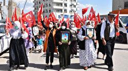 Şırnak'ta terör mağduru ailelerden HDP binası önünde eylem