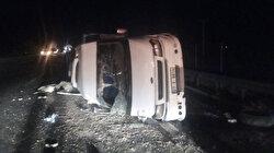 Şanlıurfa'da işçileri taşıyan minibüs devrildi: Dokuz yaralı