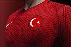 شاهد القمصان الجديدة للمنتخب الوطني التركي