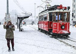 The snow has covered Istanbul.