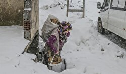 Some parts of Turkey were buried in 110 centimeters of snow.