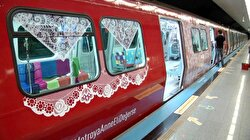 """""""Mother's Day"""" surprise for mothers taking Istanbul metro"""