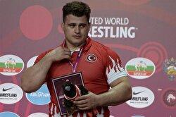 Turkey's Rıza Kayaalp wins gold at European Wrestling Championships