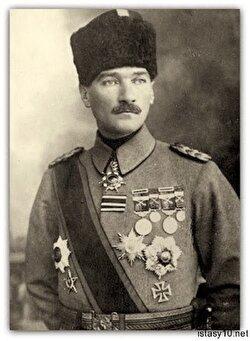 Mustafa Kemal albay oldu