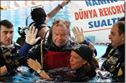 Su altında rekor kıran Türk