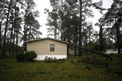 Devastating tropical storm Florence continues to batter Carolinas